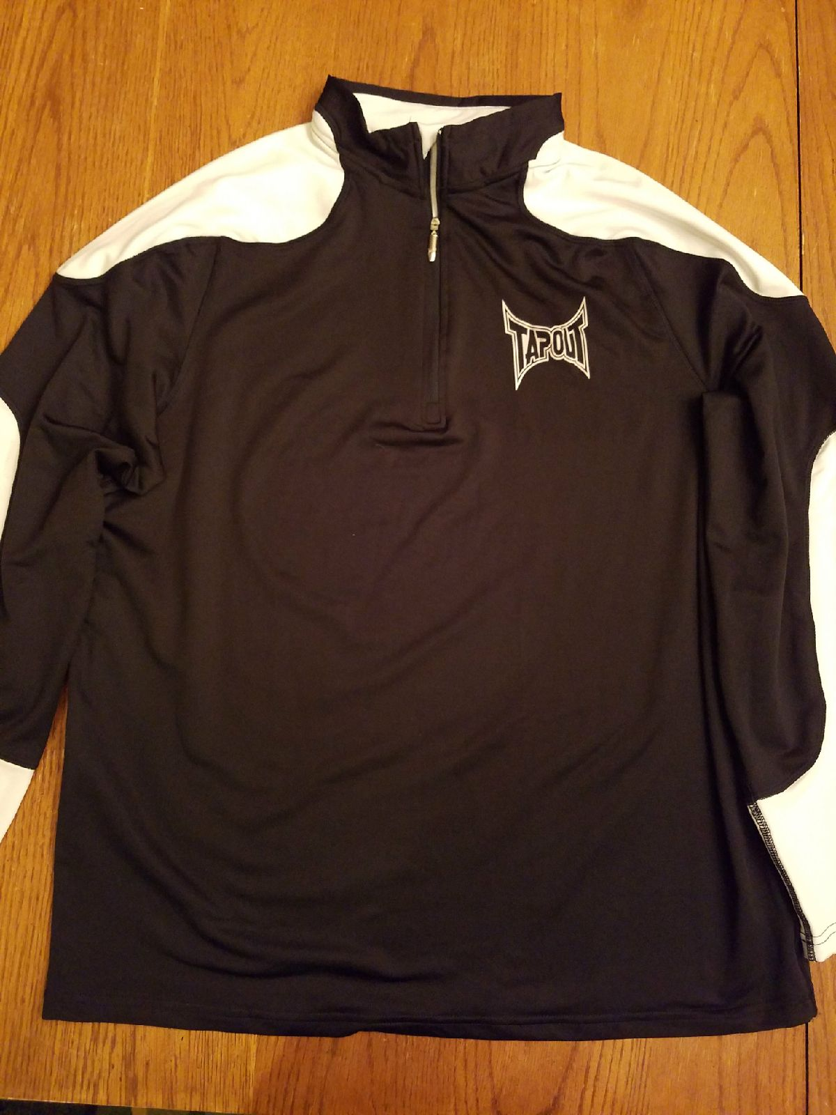 tapout  long sleeve warm-up jacket XXl