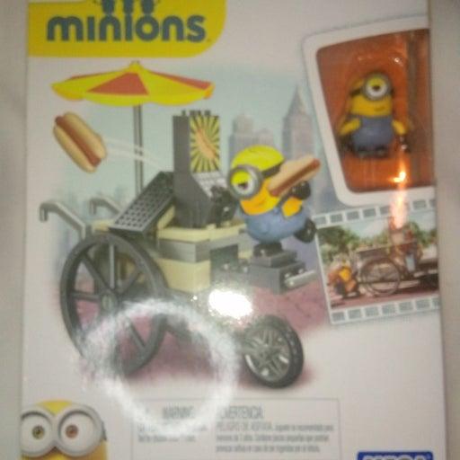 Mega bloks minions flying hotdog set