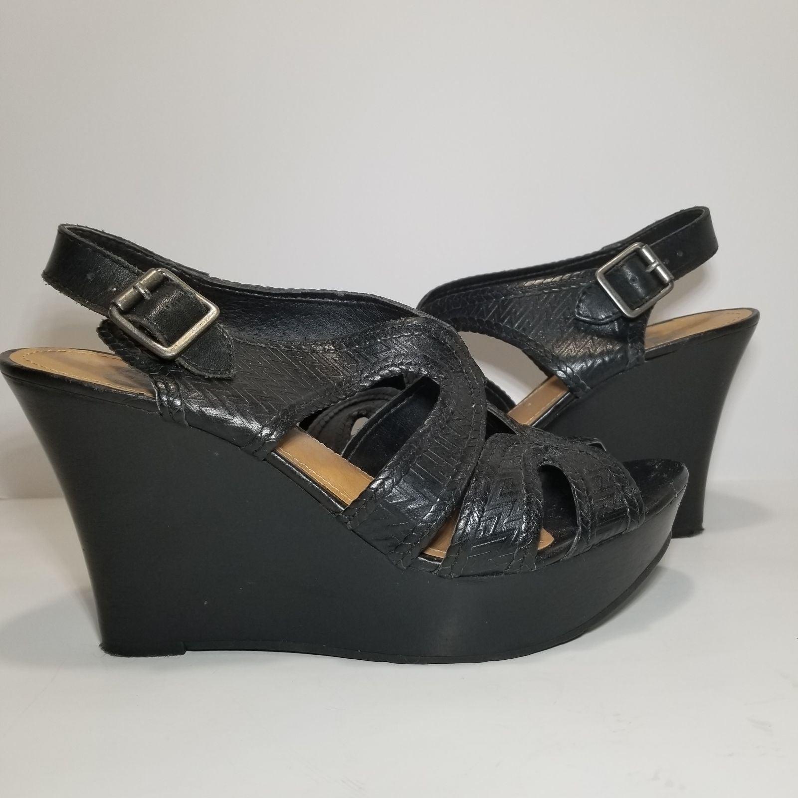 GB Gianni Bini Black Wedge Sandals