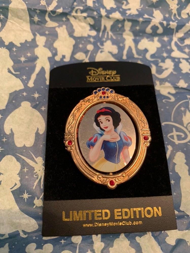 Disney Princess Snow White Pin LE