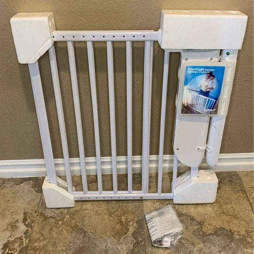 Safety 1st stair gate with SmartLight