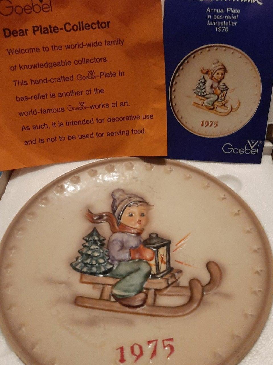 Goebel 1978 #690 Collectors Club Member Plate No 2 Umbrella Girl Porcelain w Box