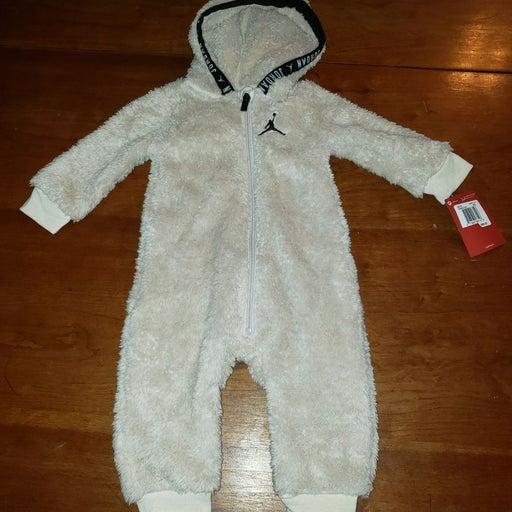 Baby Air Jordan Fleece Outfit New 9M