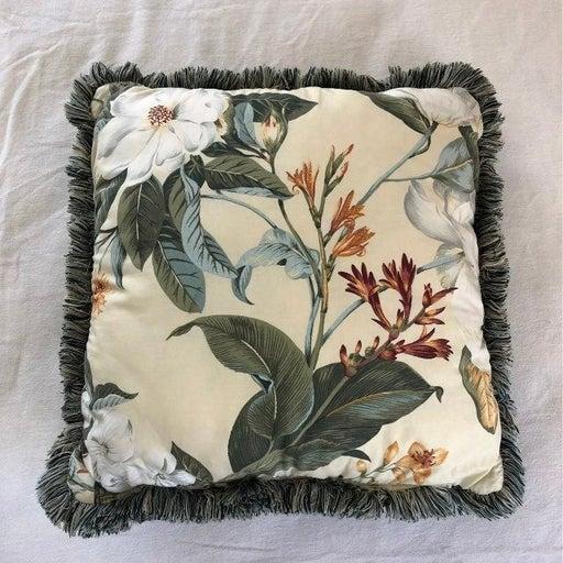 Pillow / Williamsburg GARDEN Magnolia