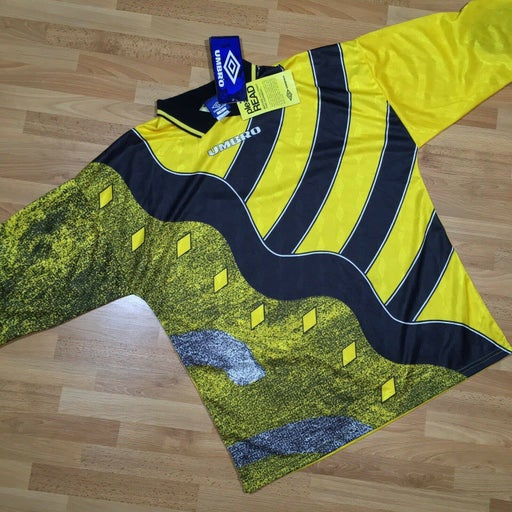 New Vintage 90s Umbro L Yellow Goalie Jersey Shirt Padded Elbows V Neck NWT 95