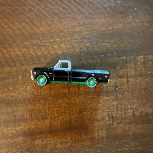 Greenlight 1972 Black Bandit Chevy C10