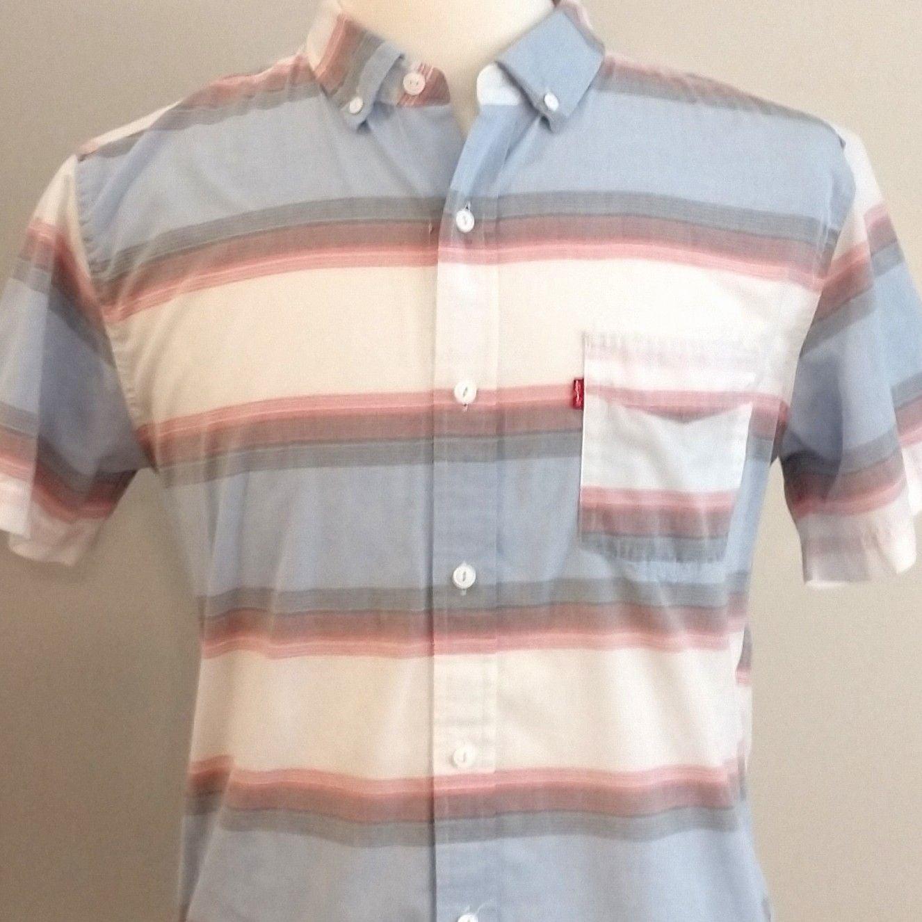 Levi's short sleeve shirt size men's med