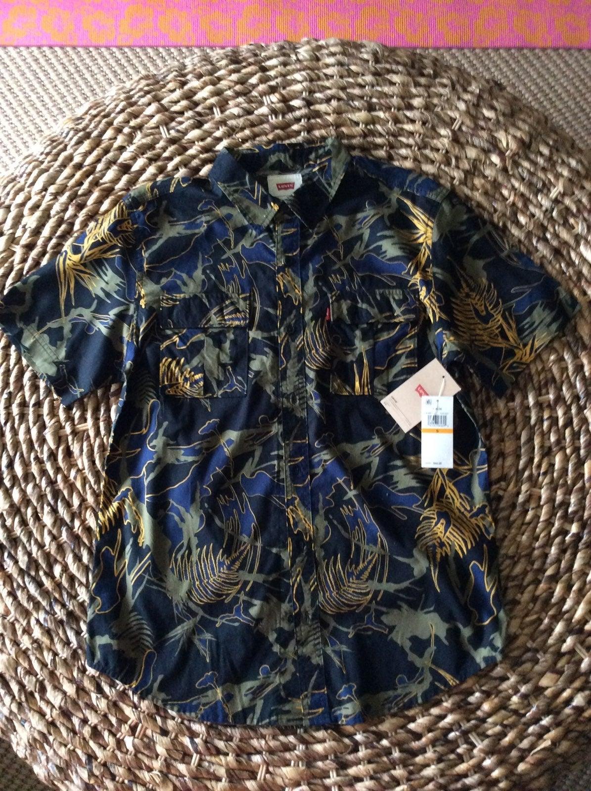 Levi Strauss & Co Men's shirt