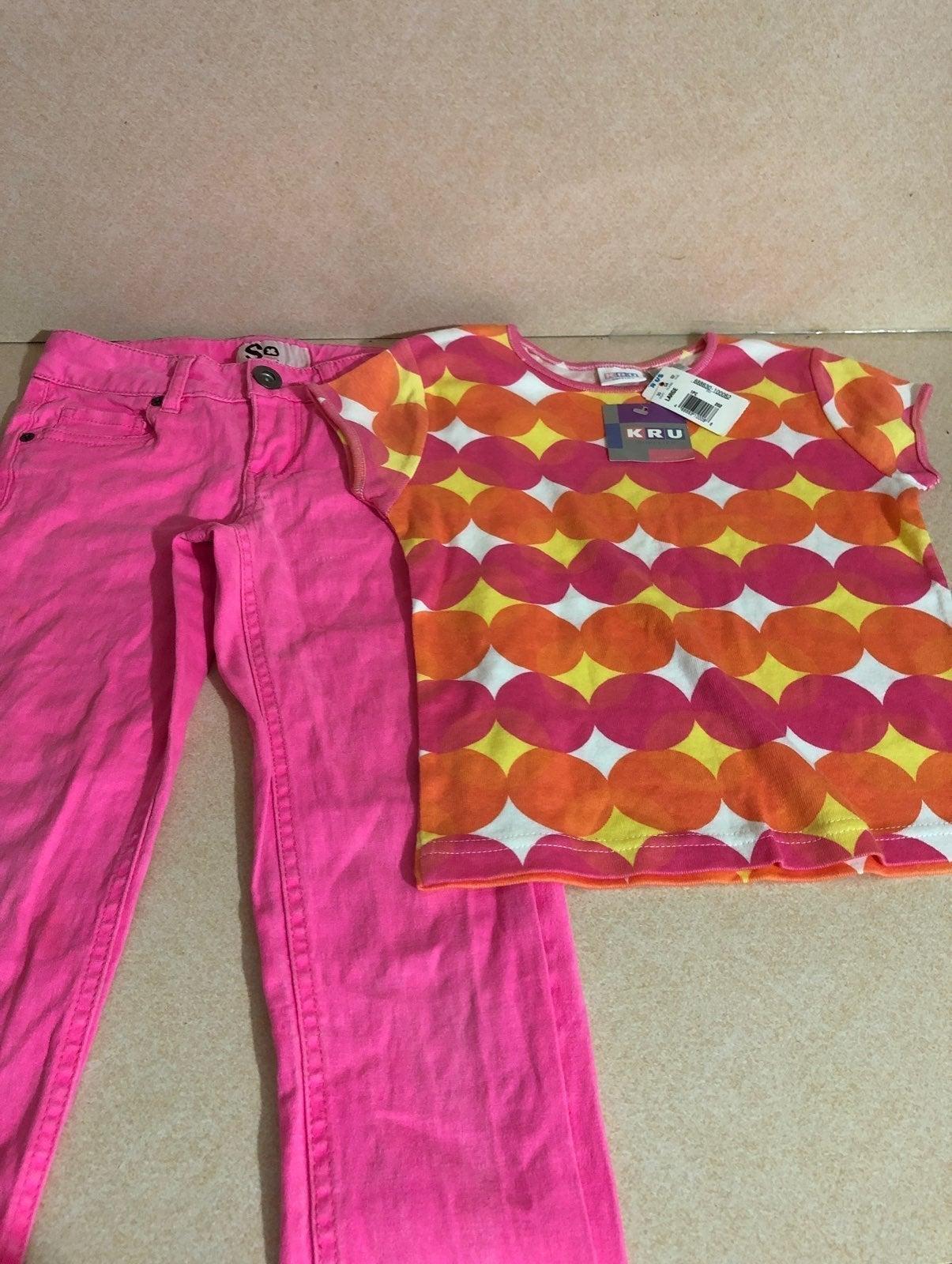 kids R US T-shirt and a skinny pants