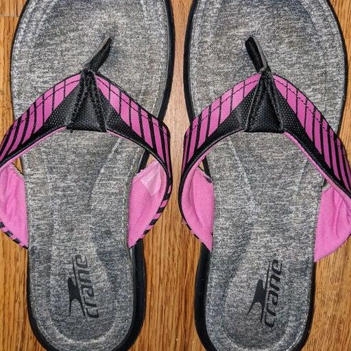 Crane flip flop size 7