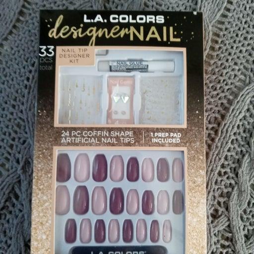 33pc coffinshape artificial nail set