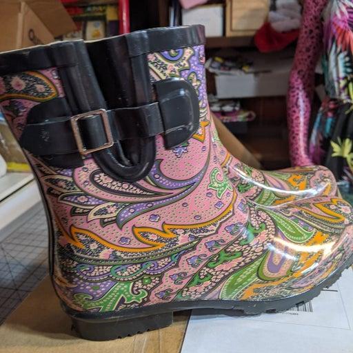 Gorgeous Nomad short rain boots size 9