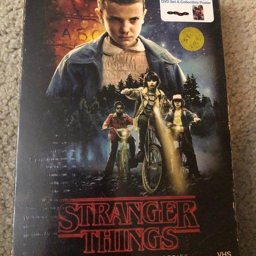 Stranger things Season1  blue ray and dvd