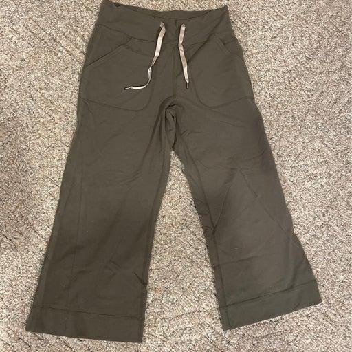 Lululemon wide leg capri pants sz 2