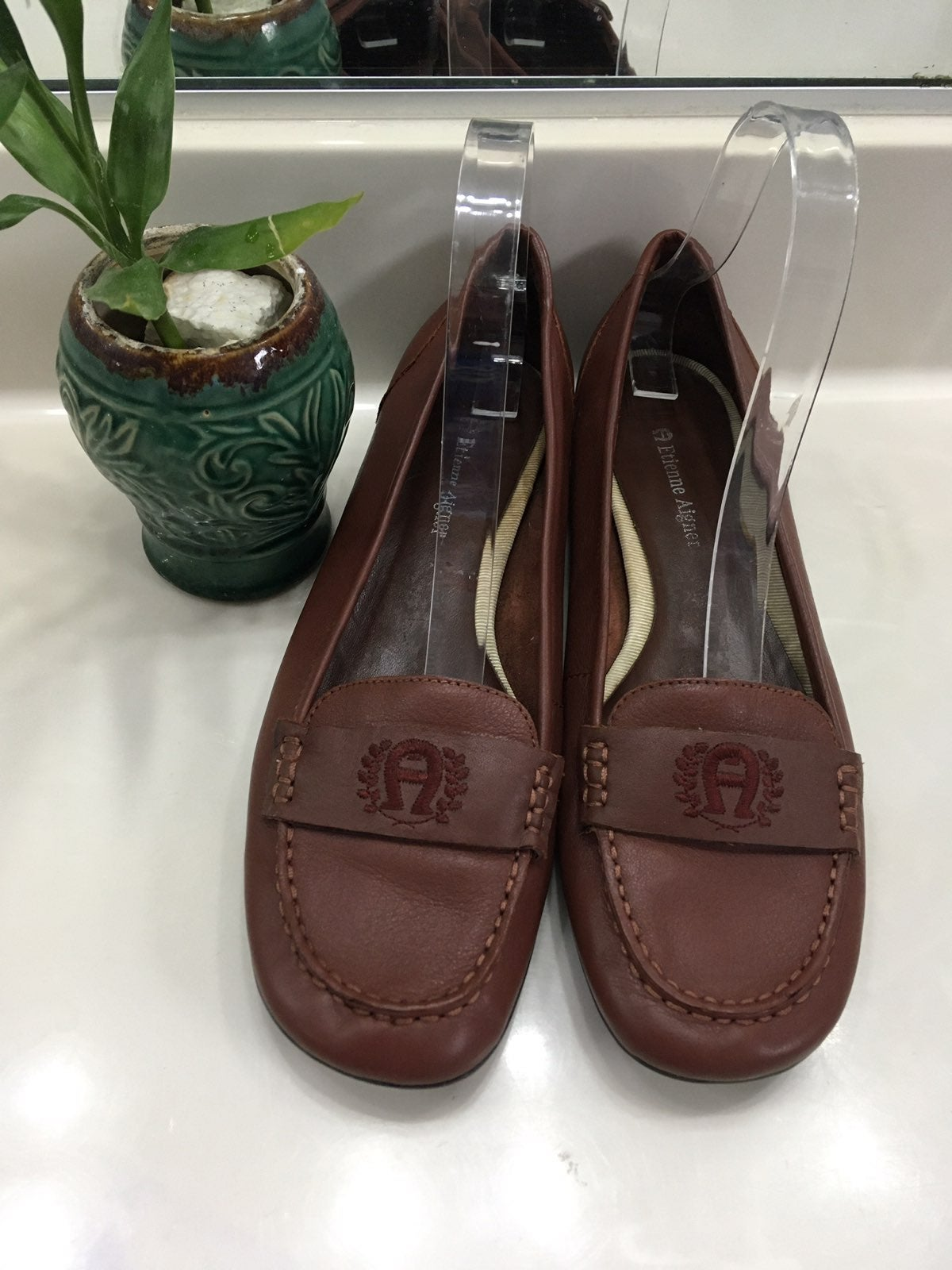 Embroidered Logo Juliana Leather Loafers