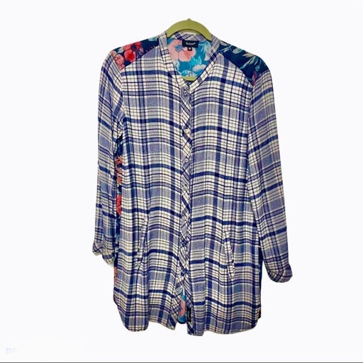 ANTHROPOLOGIE TOLANI FLANNEL FLOWERS ON BACK Sz XS