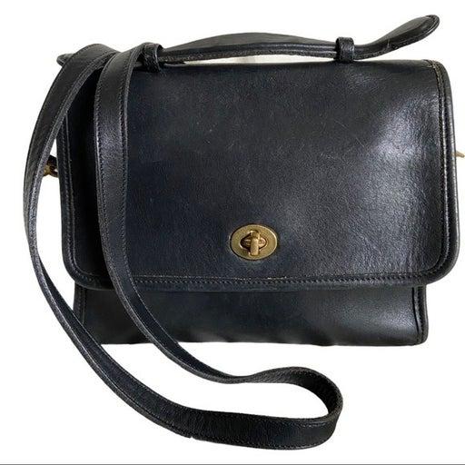 Vintage Coach Leather Court Crossbody Bag 9870