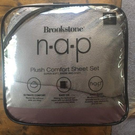 Brookstone NAP twin sheet set