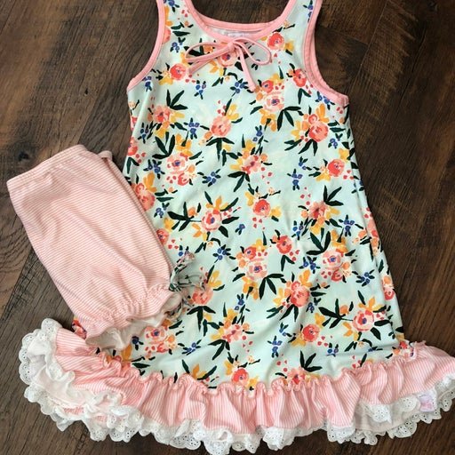 Sweethoney Clothing gown & bloomers sz6
