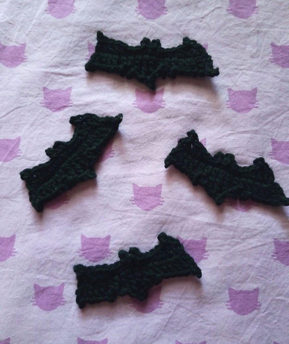 Crochet bats applique