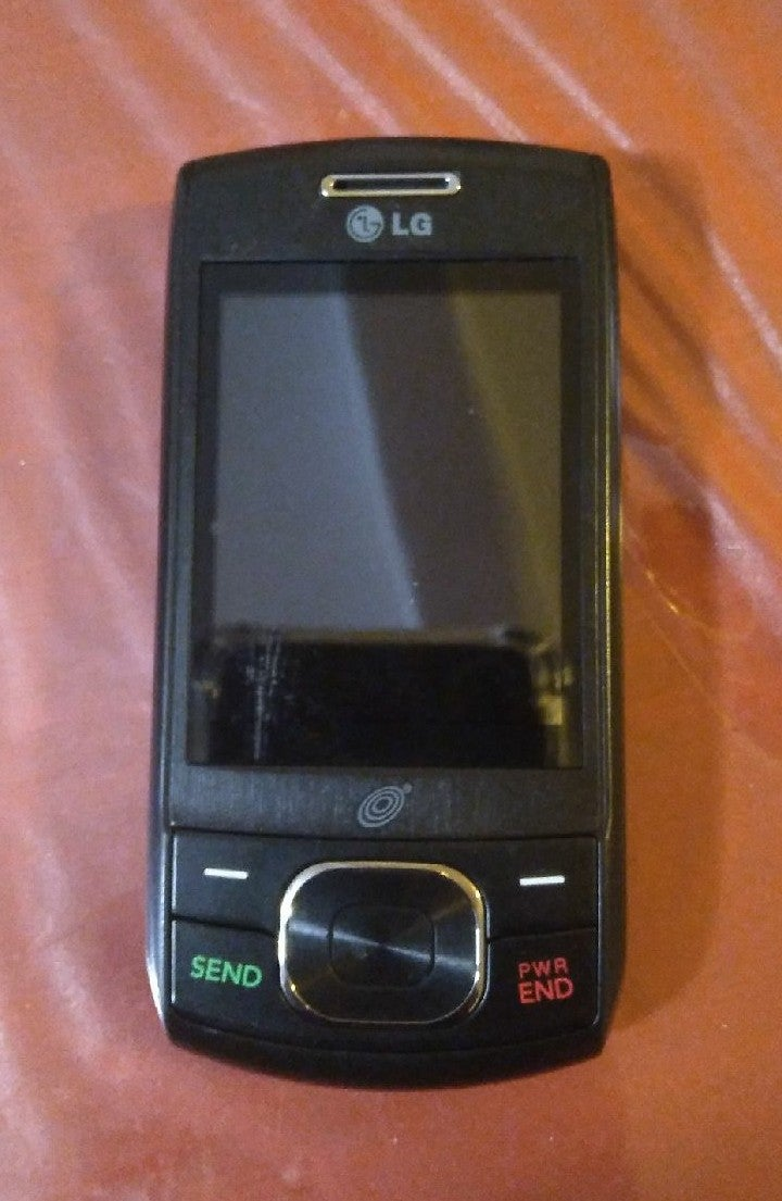 LG TRACFONE SLIDE CELL Phone LG620G