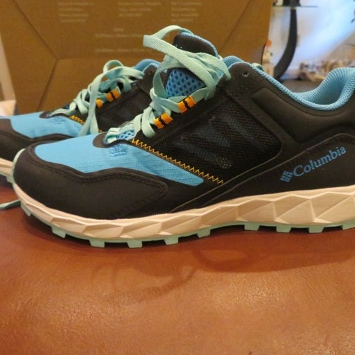 NWT Womens Columbia Shoes, 7