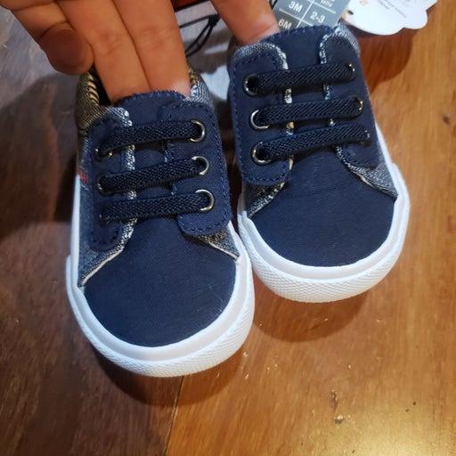 New wonder nation boy shoes size 2