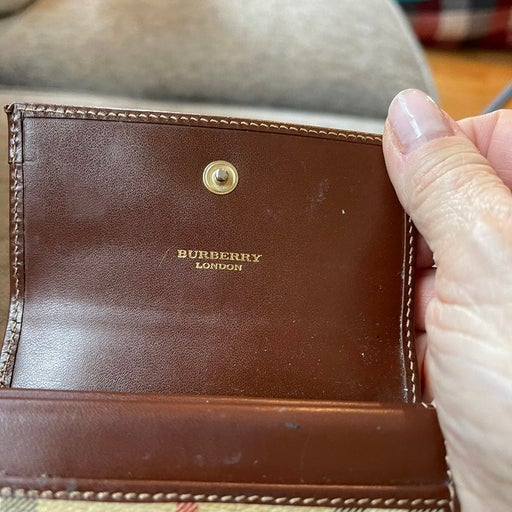 Burberry credit card case