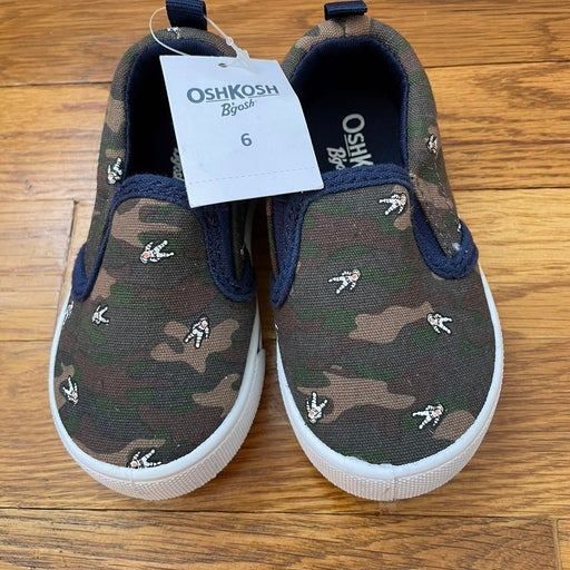 NWT camo loafers shoes size 6