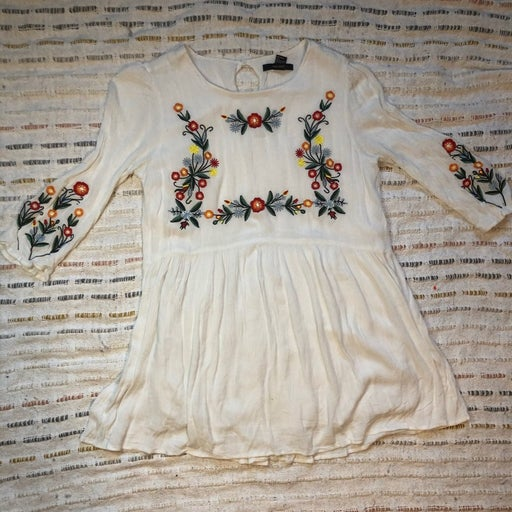 FOREVER 21 embroidered shirt