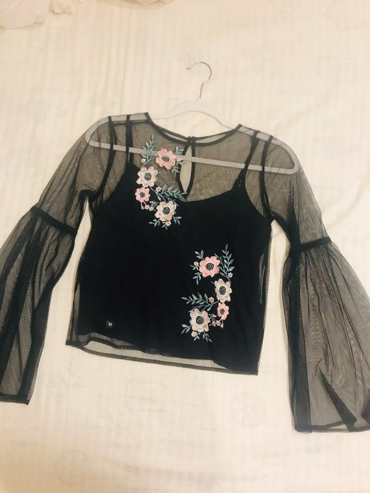 Hollister embroidered blouse& bundle