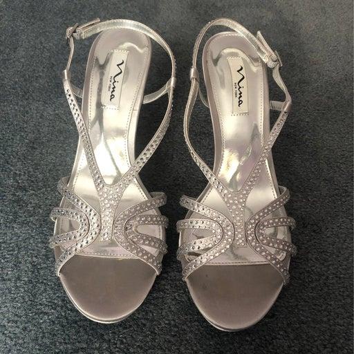 Nina Silver Slingback Heels Size 9M