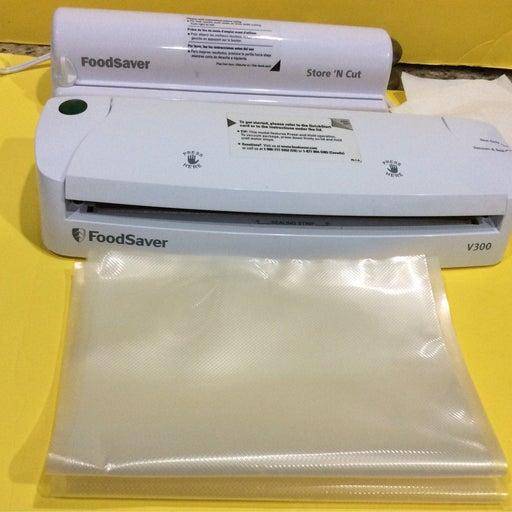 Bundle of  2 items food saver v300