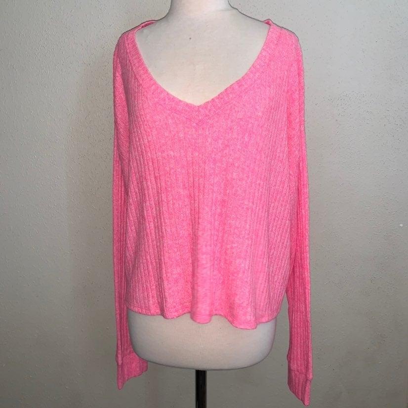 PINK Croptop T-shirt : womens top