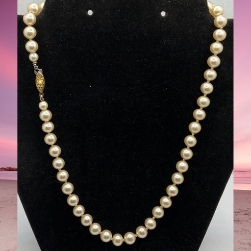 Vintage 14KGF Japan signed 8mm glass Pearl knotted necklace