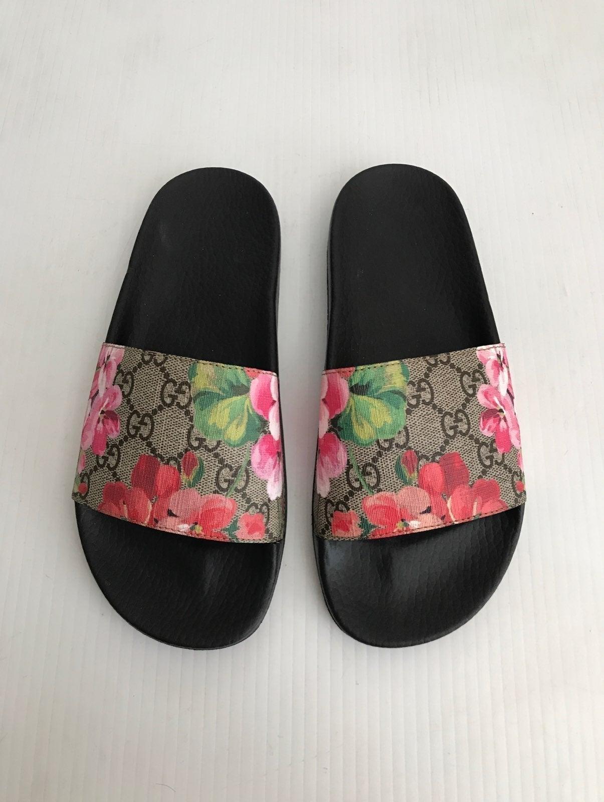 Gucci GG Bloom Pursuit Slide Sandal 37
