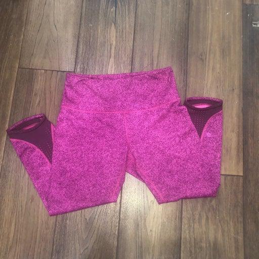 EUC Lululemon Cropped Leggings Pink, 10