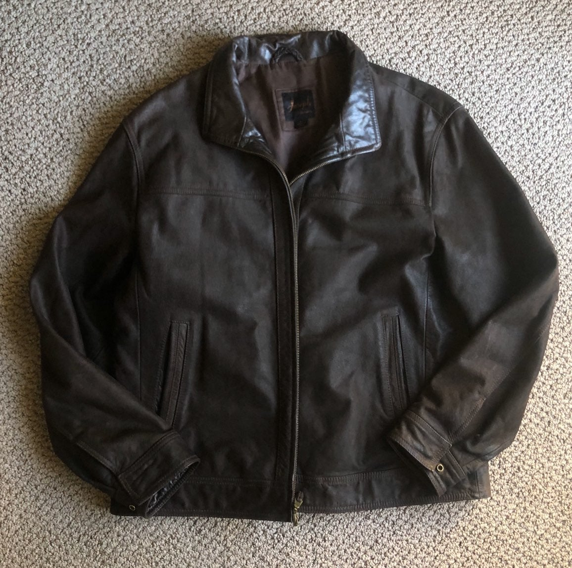 Jos A Bank mens genuine leather jacket s