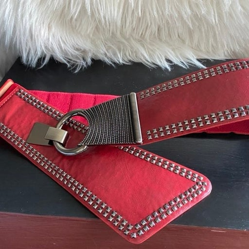 Ella & Elly red silvertone studded stretch belt, new!