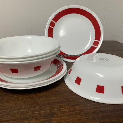 """Corelle Urban Red 4-6 1/4""""  Cereal/soup bowls & 4-6 3/4"""" bread plates"""