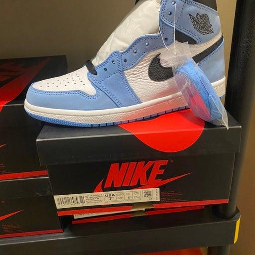 Nike Air Jordan 1 High OG UNC White University Blue Black Size 7.5 555088-134