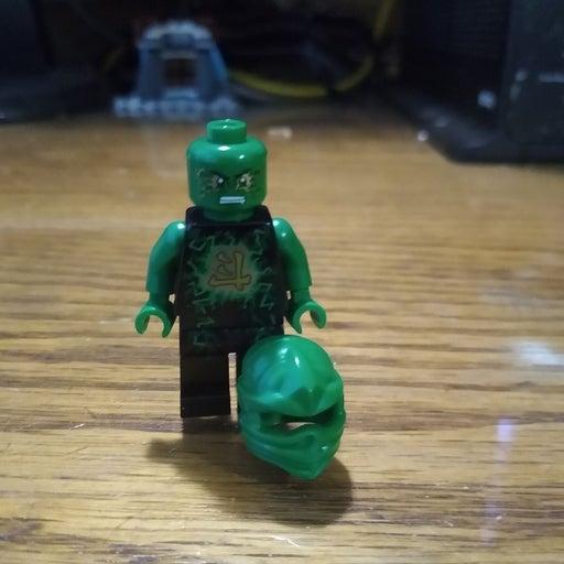 Lego Ninjago Airjitzu rare Lloyd