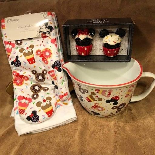 Mickey Cupcake/Sprinkles Fun Kitchen Set
