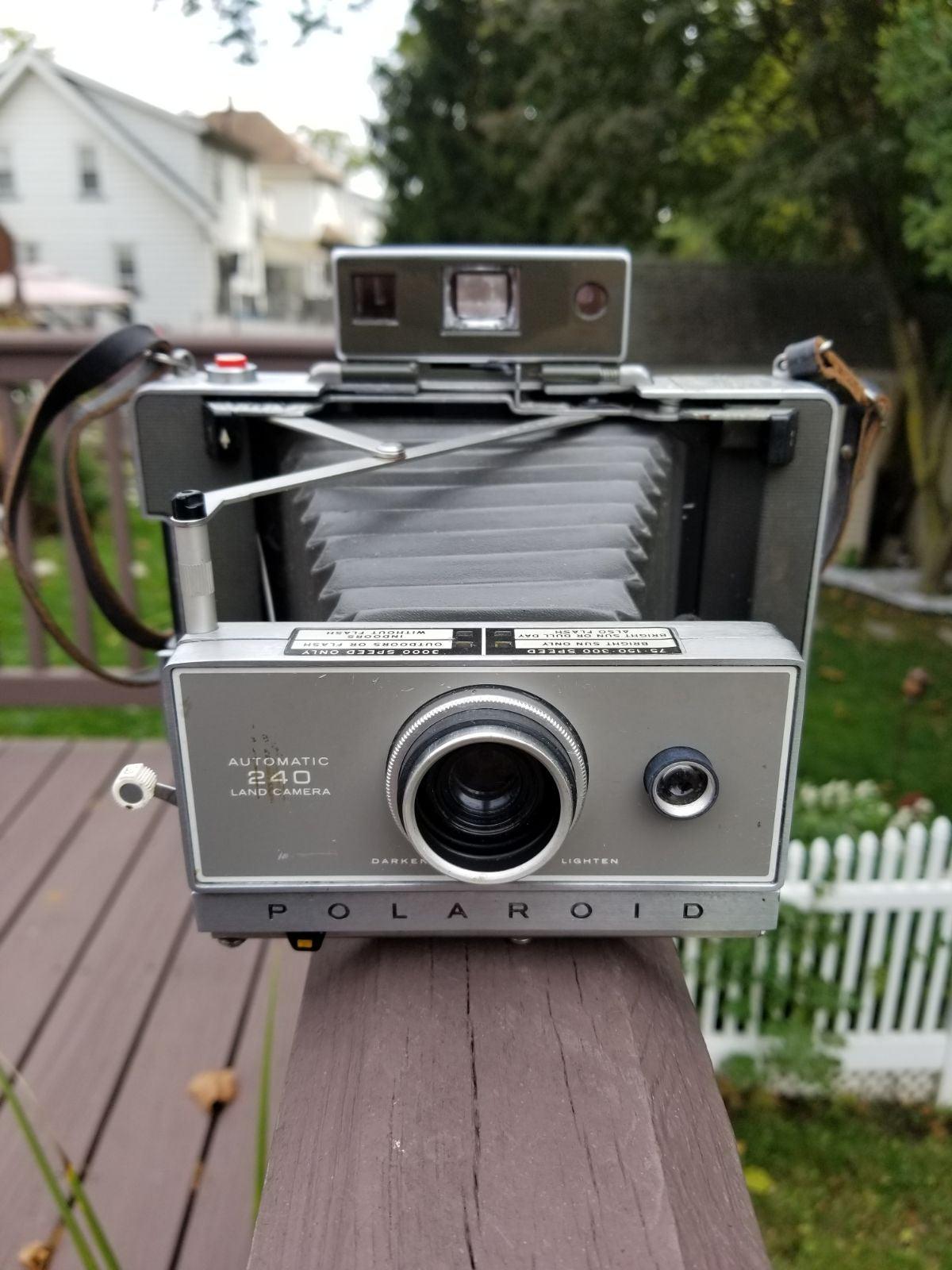 Vintage Polaroid Automatic 240 Land Came