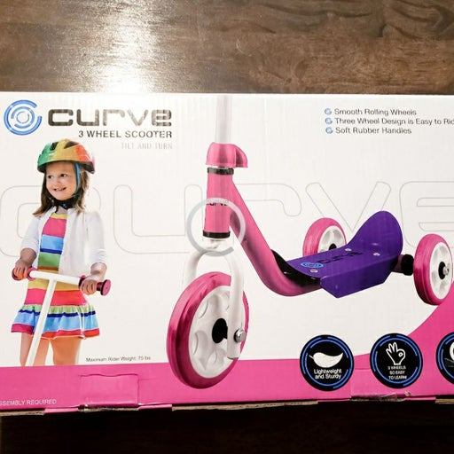 Curve 3 wheel scooter