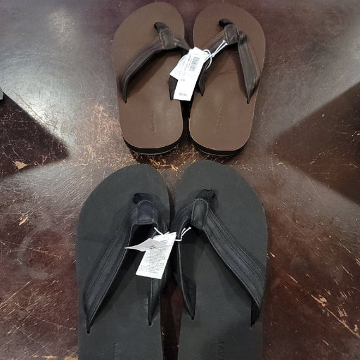 2 pair of Old Navy summer sandals