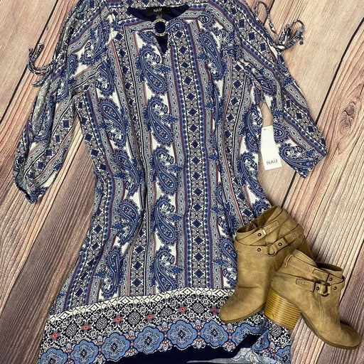 Paisley dress with cold shoulders NEW