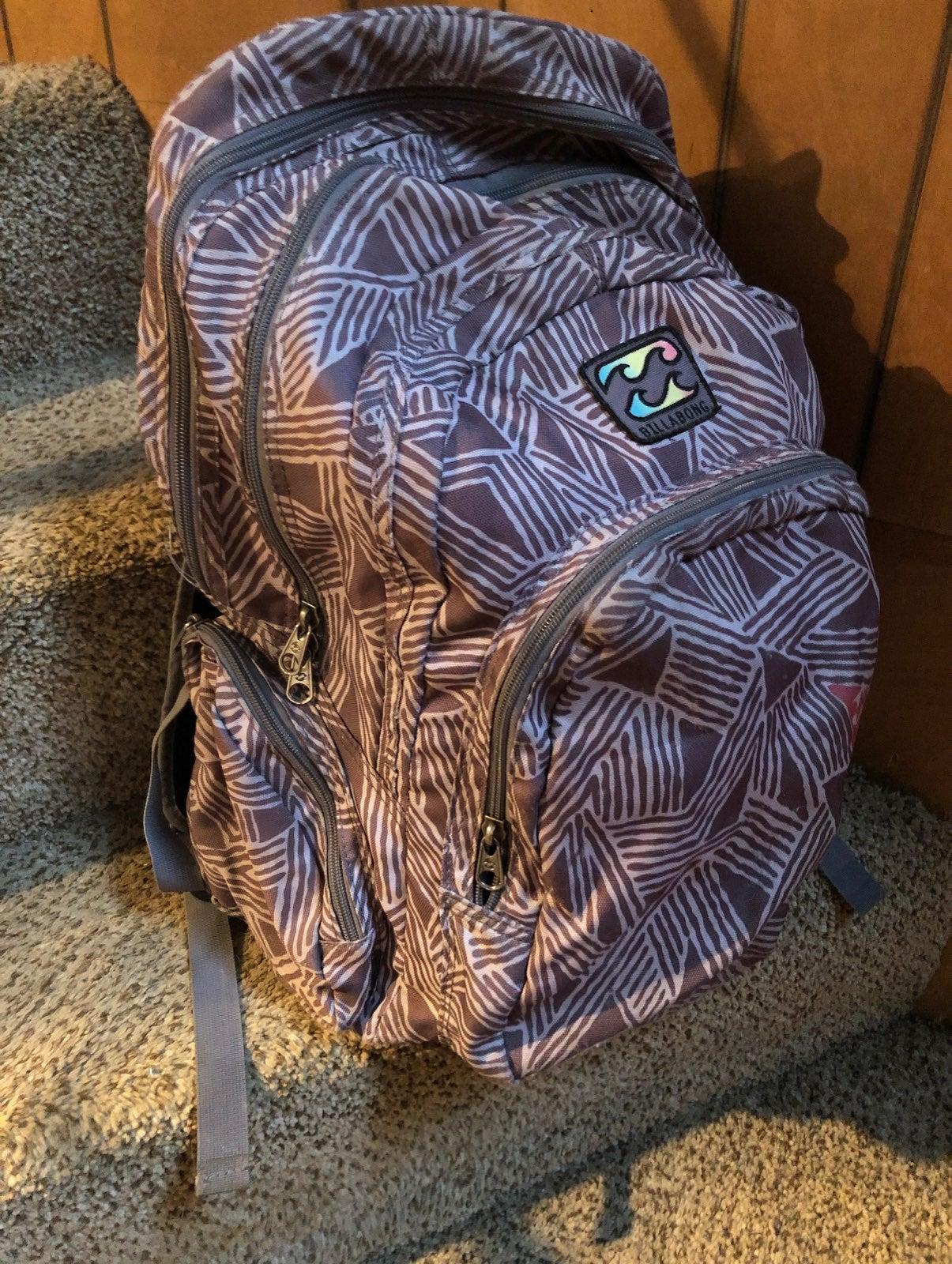 Tri-pocket Billabong backpack with lapto