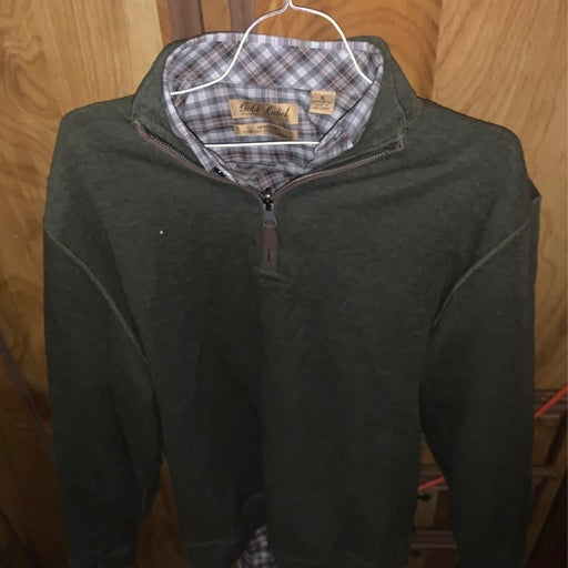 Cremiux Sweater with a Gold Label collar