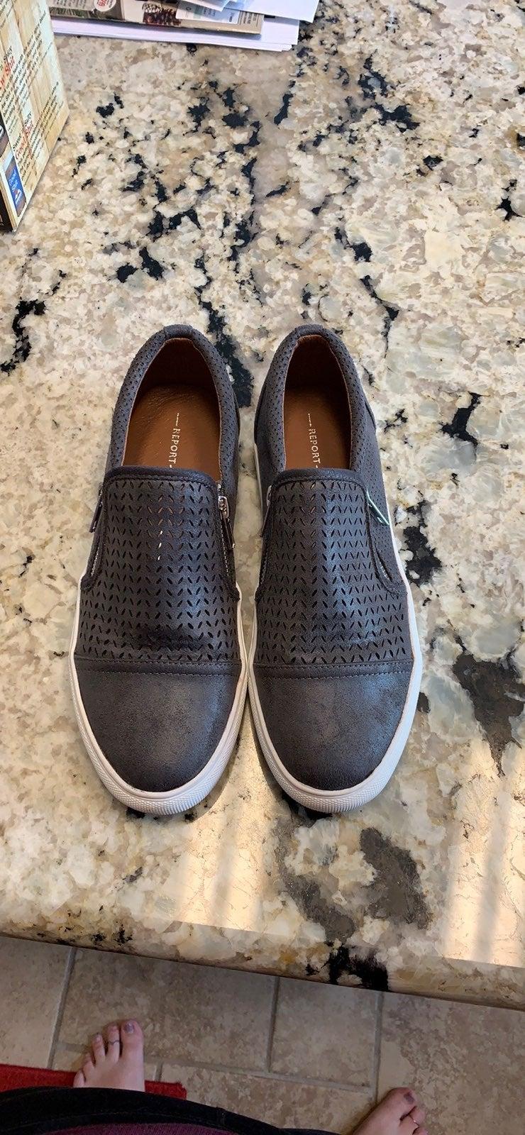 Report sneakers